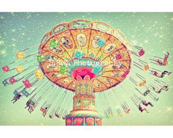 """Karneval Foto. Schaukeln. """"Stern Schaukeln"""" verträumt. Surreal. Nacht. In den Hauptrollen. Helle. Bunte. Orange. Rosa. Blau. Kindergarten Kunst. whimsical Dekor"""