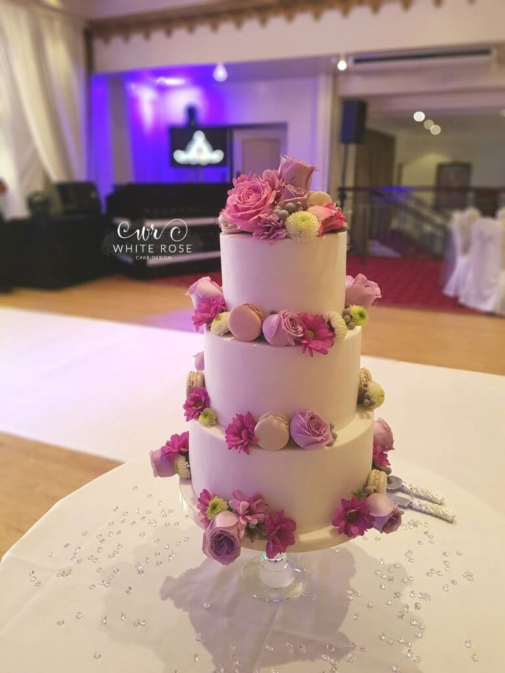 Wedding cakes in ilkley