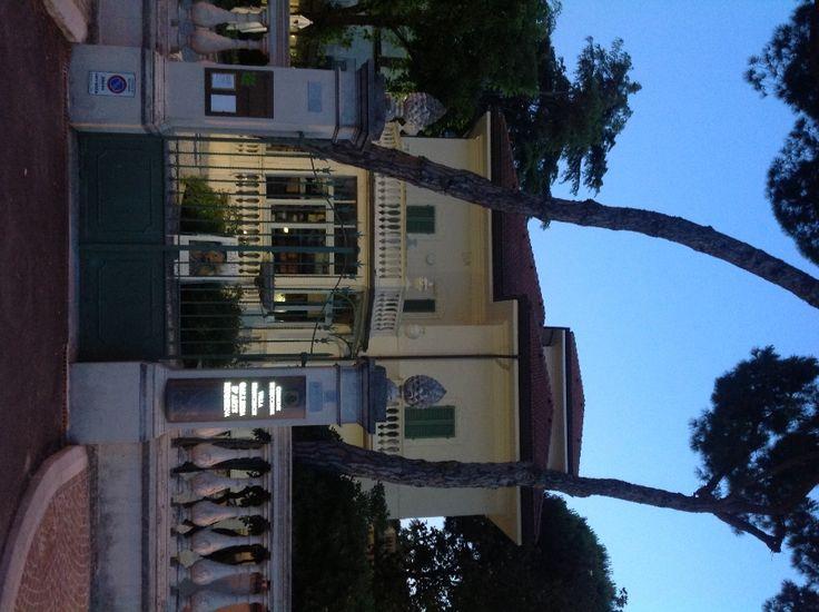 Villa Franceschi. Riccione http://www.riccionesocialclub.it/eventi/passeggiata-culturale-nei-dintorni-viale-ceccarini