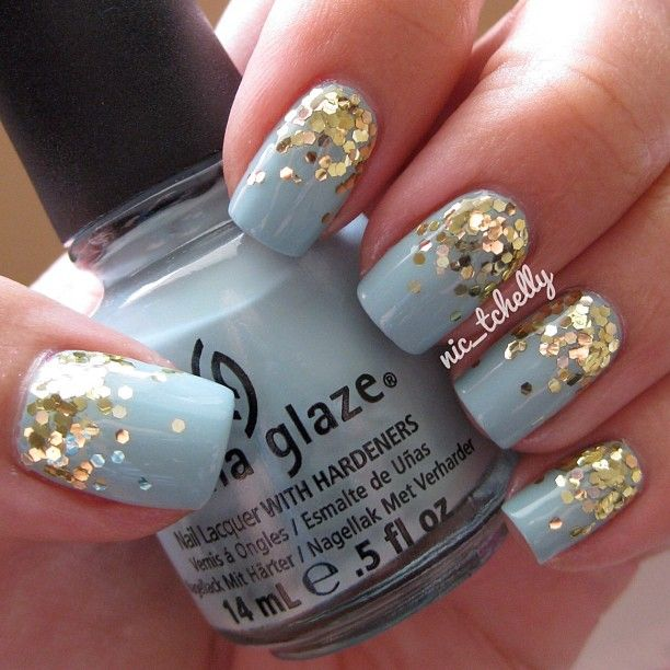 Toe Nails only! Big toe with the gold glitter the rest blue. akt Blue nails with golden flakes