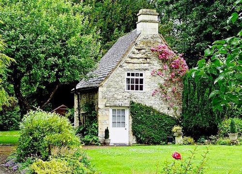 Seattle Backyard Cottage Guide : 1000+ images about Cottage on Pinterest  Fairytale cottage, Cottages