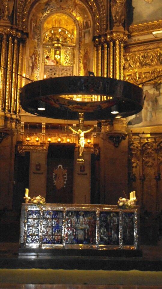Interieur van de cathedraal van Montserat