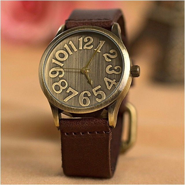 Big Retro Watch (Jam Tangan Vintage - Retro Dengan Dial & Angka Besar)  Harga Rp 90.000  Spesifikasi: - Tahan air: 1 ATM. - Diameter case: 4,0 cm. - Tebal case: 1,1 cm. - Bahan case: Alloy. - Panjang tali: 22 cm. - Lebar tali: 2,0 cm. - Bahan tali: Leather. - Tipe clasp: Buckle. - Display: Analog. - Mesin: Quartz. - Tipe baterai: SR626SW.