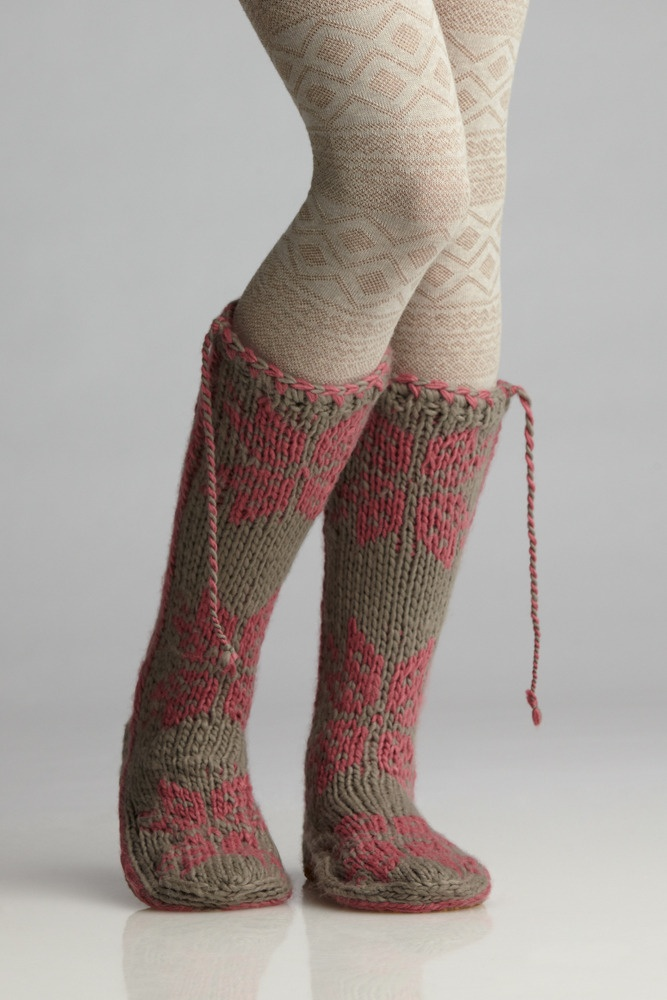 Knitting Patterns Leg Warmers Ballet : 1000+ images about Ballet Knits on Pinterest Ravelry, Leg Warmers and Patte...