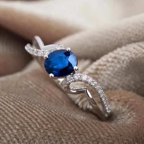 Inel cu safir si diamante C064