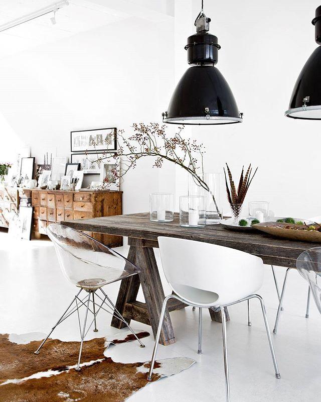 Buen rollo y buenas energías en este loft lleno de estilo. Espacios minimalistas y muy, muy sofisticados. Descubre más en el link de nuestra Bio #Liebesbotschaft #EnCasaDe