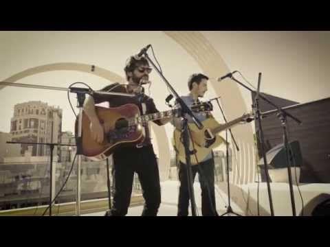 Quique González y La MODA interpretan 'Dallas-Memphis' - YouTube