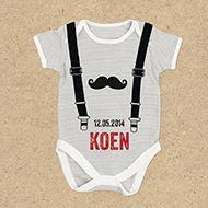 Hip geboortekaartje voor een jongen met een origineel babypakje. Dit kaartje is ook verkrijgbaar als meisjesversie. http://www.carddreams.nl/nl/producten/kaart/114219