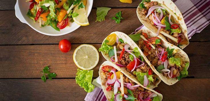 Salse piccanti, tacos, nachos, tortillas ma anche chili con carne, churros, dolci originali e caffè: il menù perfetto per una vera cena messicana!