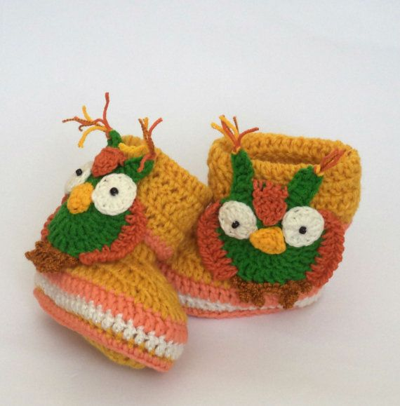Crocodile Stitch Baby Booties  Crocodile by LyudmilaHandmade