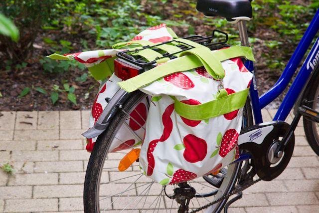 Fahrradtaschen, die unter meinen Korb passen ... geht auch nur eine??? Schnittmuster -> Handmade Kultur