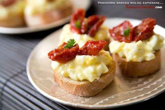 Pasta jajeczna z zapiekanymi pomidorkami