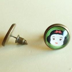 sweet earring whit Snow White