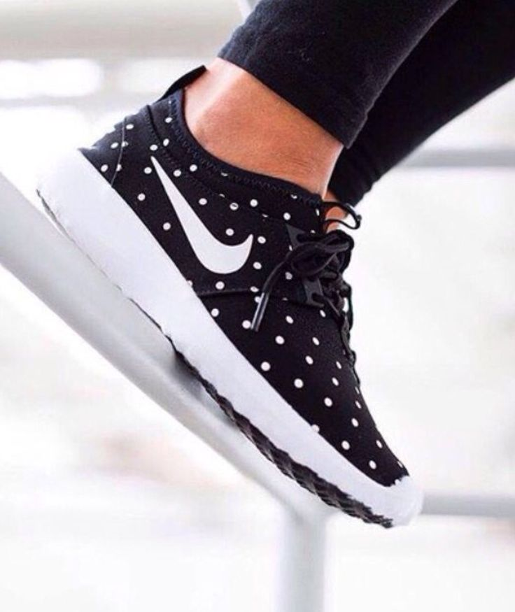 Fitness Women's Clothes - Nike womens running shoes are designed with  innovative features and technologies to help you run your best, whatever  your goals ...