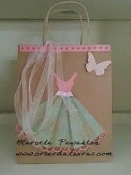 Bolsa con maniquí y mariposa