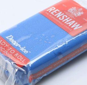 Sockerpasta Powder Blue. Perfekta färgen för bla Svenska flaggan. 250g/förp. #sockerpasta #sugarpaste #svenskaflagganblå #blåsockerpasta