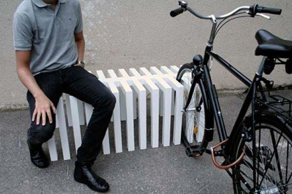 Bench and bike parking. La multifuncionalidad y la sencillez.