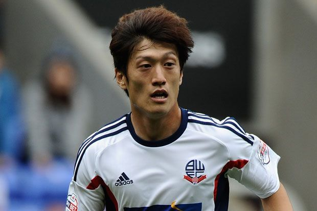 Soccer Player Lee Chung Yong Starts In First English Premiere League Match in 4 Years | Koogle TV
