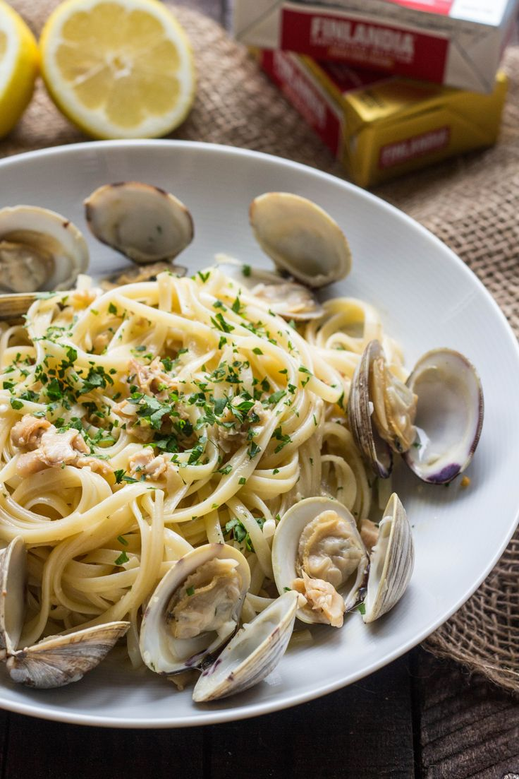 Easy Recipe: Linguini alla Vongole or Linguini with Clams (Video!). Only a few simple pantry ingredients needed