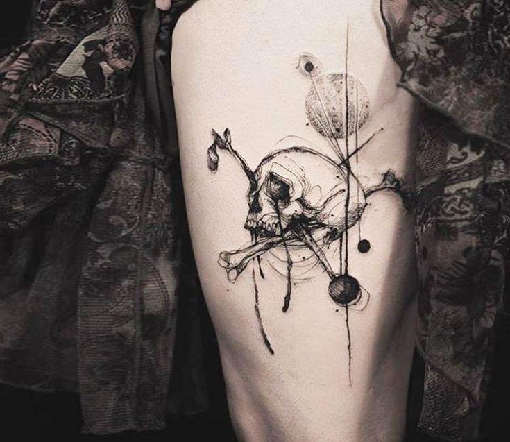 Skull tattoo by Tattooer Nadi