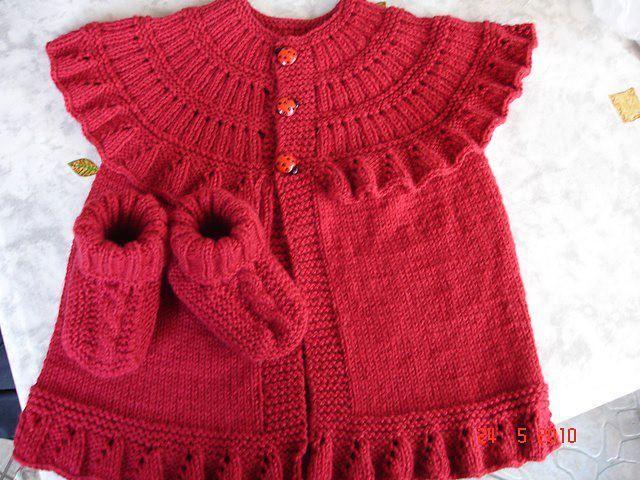 Pattern http://pure-craft.blogspot.com.br/2013/11/ruffle-baby-vest.html#comment-form      Ekadınca Kadın ve Moda Sitesi | 2013 bebek örgü kazak hırka modelleri | http://www.ekadinca.com