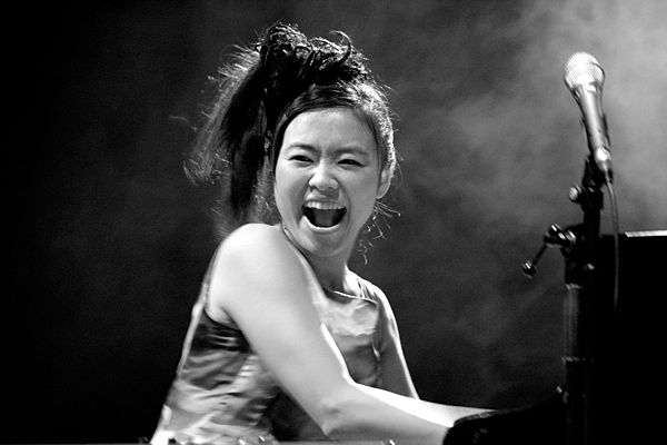 Move by Hiromi and The Trio Project – the fast and furious Hiromi ...