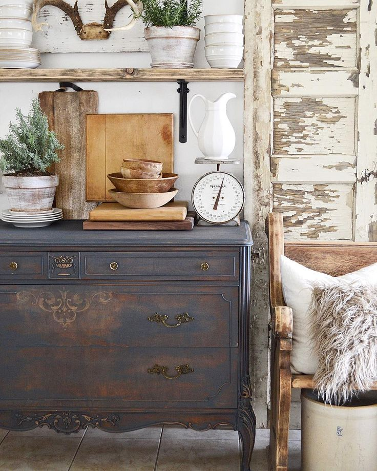 25+ Best Ideas About Chalk Paint Dresser On Pinterest