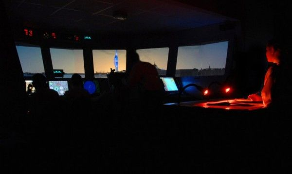 Royal Navy Starts Using Photo-Realistic Bridge Simulator - If you are commandeering a huge frigate worth billions of pounds and want to get on-hands training of steering it well, it makes sense not to let you 'practice' your skills by letting you use the frigate in real-time. To avoid precisely this, the Royal Navy has now installed a photo-realistic bridge simulator at Britannia Royal Naval College in Dartmouth. [Click on Image Or Source on Top to See Full News]