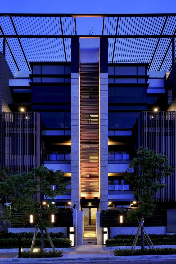Ritz Plaza Housing Complex / Chin Architects