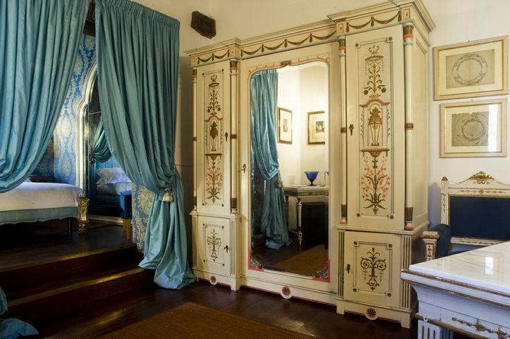 A room in the Scuderie building - Relais La Suvera, Tuscany
