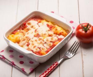 Zapečená polenta s mozzarelou a rajčaty