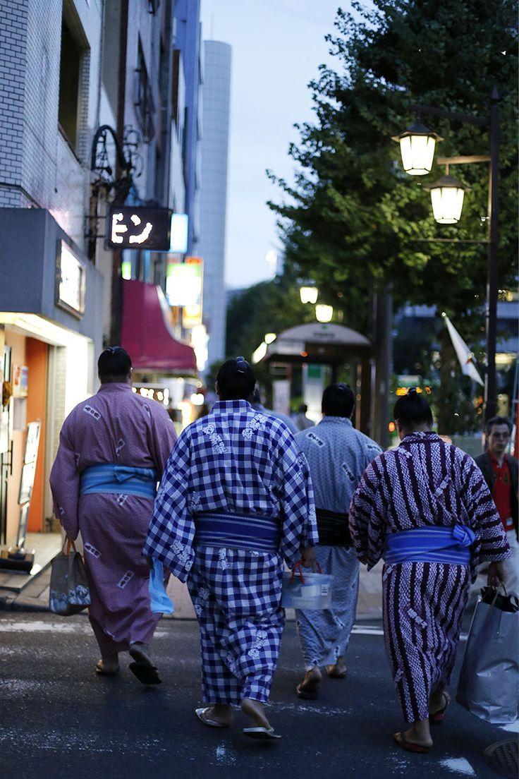 Sumo-Ringer in Kimonos