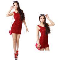 Kızıl bordo renkli mini seksi gece elbisesi.  Japon stili olan bu mini seksi gece elbisesi hem rengi ile hem tarzı ile bütün gözlerin size çevrilmesine yardımcı olabilecek derecede farklı bir tasarımdır.  Seksi gece elbisesi Özellikle çok şık duran büzgüleri ile sıra dışı ve farklı bir tasarımdır. http://www.aglayancicek.com/kategori/gece-elbiseleri.aspx