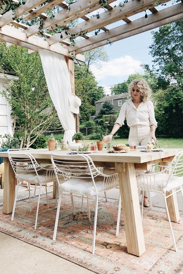 A Natural And Inviting Outdoor Dining Space Is Created With The Teak Teaka Table Photo By Outdoor Dining Spaces Teak Outdoor Furniture Used Outdoor Furniture
