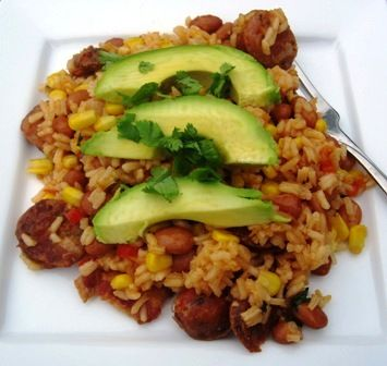 Platos caseras: arroz Antioqueno (Rice with Chorizo, beans, plantainas and avocado) muy delicioso jaja