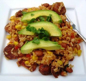 Platos caseras: arroz Antioqueno (Rice with Chorizo, beans, plantainas and avocado) muy delicioso jaja