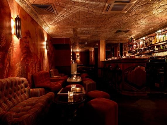 Le bar du Ballroom du Beefclub! speakeasy à Paris