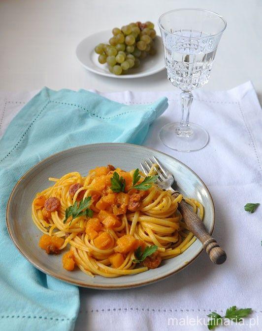 Na obiad dynia, tzn. makaron z dynią, chorizo i suszonymi pomidorami pumpkin linguine with chorizo and dried toamatoes