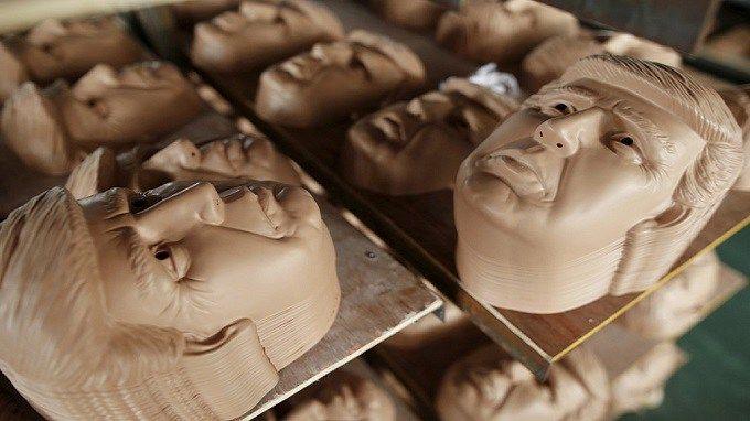 Des fabricants chinois font fortune en vendant des masques de Donald Trump