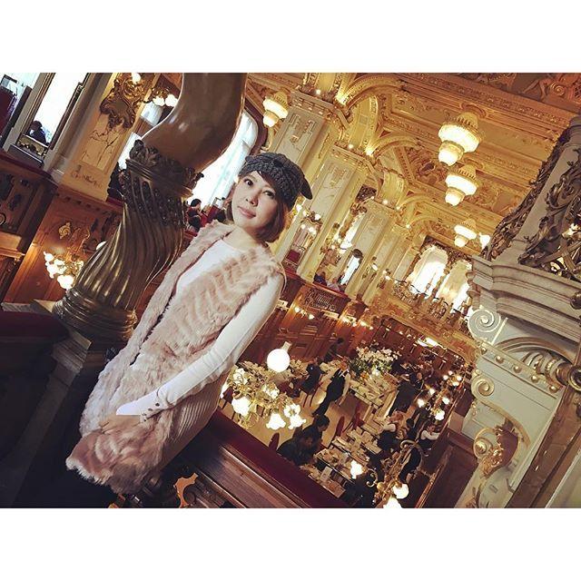 Instagram【fong_tai】さんの写真をピンしています。 《#iphone7 #手機拍攝紀錄 #歐洲生活第六天 #匈牙利 #Hungary #維也納中央咖啡館  #newyorkcafe #Donau #夜景  #漁夫堡 #米星其  #onyx #貴腐酒 #Fisherman'sBastion #國會大廈 #史迪芬大教堂 #馬提亞斯大教堂 #MatthiasChurch #鎖鍊橋  #Chain Bridge #賽切尼 #Gallert  #歐洲最大的猶太教堂 #MetroLINE  #peraHouse #布達佩斯 #Budapest #多瑙河上的明珠》