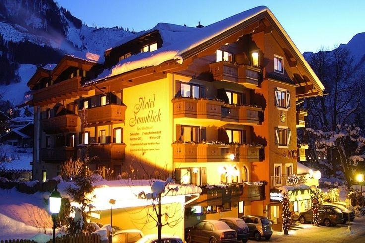 Unser familiengeführtes Hotel Sonnblick befindet sich in der Region Zell am See, im Zentrum von Kaprun. Mehr auf www.travelina.ch