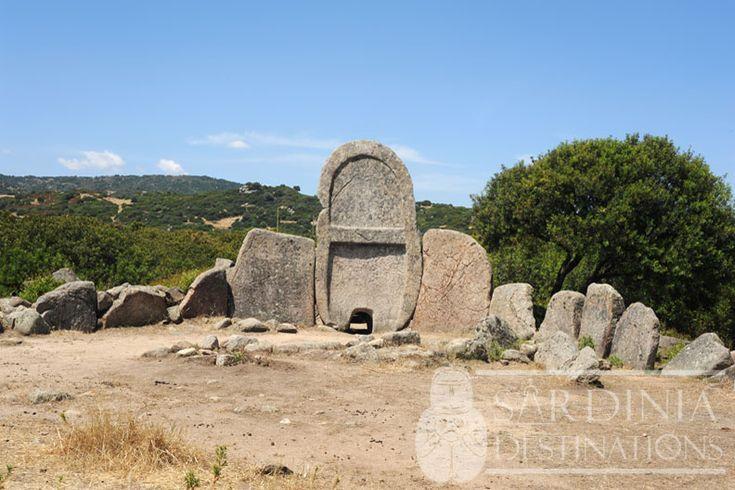 Tomba dei Giganti S'Ena e Thomes - Dorgali