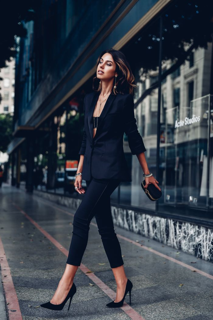 Switch up traditional gender roles and dare to wear an androgynous style blazer and bralet combination like this by Annabelle Fleur. This look goes great with a pair of simple stilettos. Blazer: L'agence Antoni, Trousers: Sam Skinny.