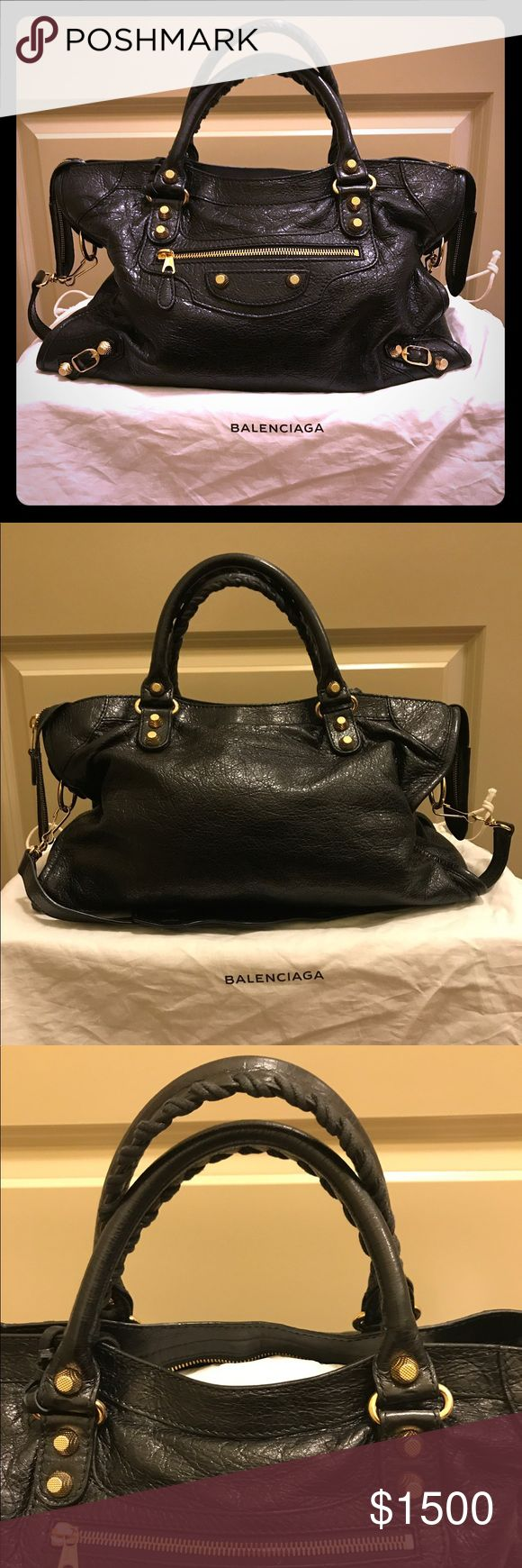 Balenciaga Arena leather Giant city bag. Black 10/10 condition. 100% authentic. Purchased less than a year ago. Smells new! No major wear as the pictures show. No trades Balenciaga Bags Totes