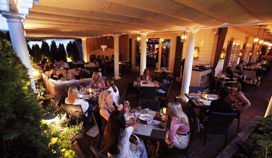 How Adding an Outdoor Patio Cover Can Increase Dining Revenue 30%