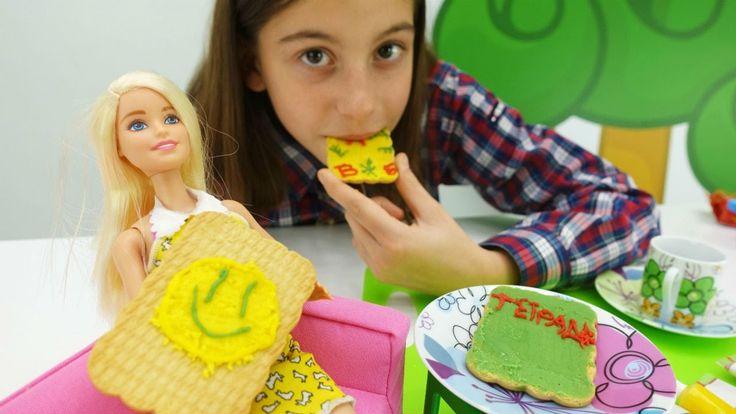 Видео для девочек. Видео с Барби и подружкой Викой - веселая еда.  Украш...