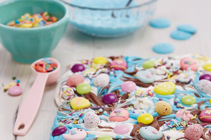 If you don't fancy having a go at making a whole chocolate egg for Easter, but still want to give something handmade, chocolate bark is a fun and easy way to make a yummy handmade gift - plus with so many colours and decorations to choose from, it looks pretty impressive too!