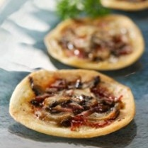 CHEESY MINI PIZZA http://www.sajiansedap.com/mobile/detail/9383/cheesy-mini-pizza