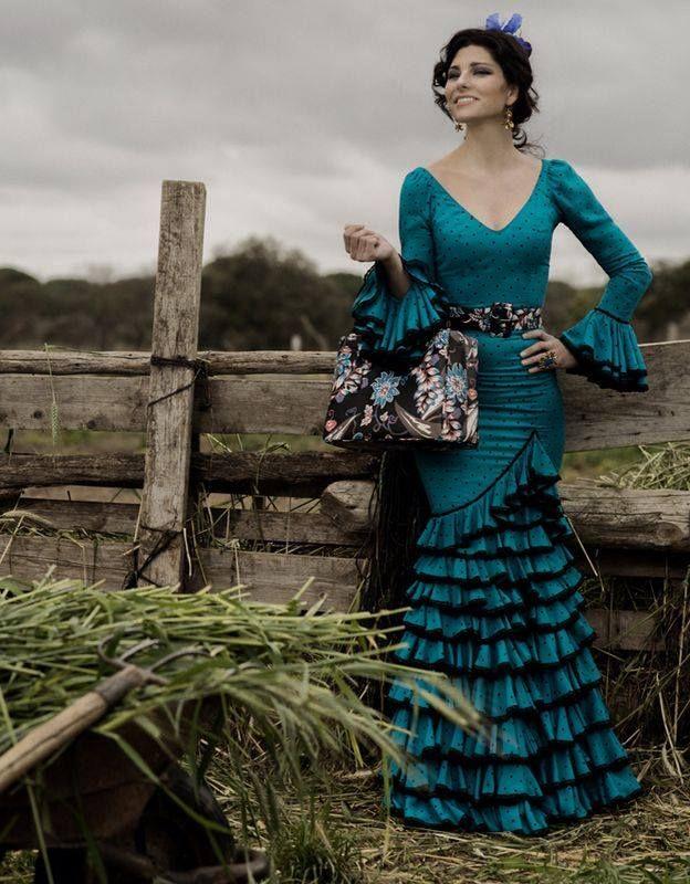 Rocio Peralta Moda Flamenca