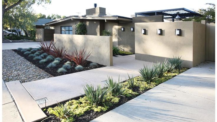 Modern curb appeal design interesting houses pinterest for Courtyard in front of house